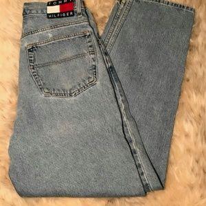 Tommy Hilfiger High wasted vintaged mom jeans